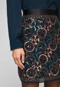 s.Oliver BLACK LABEL - A-line skirt - black aop - 3