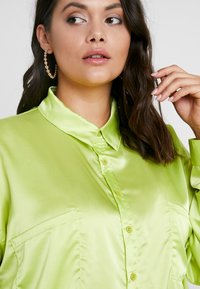 Missguided Plus - CURVE DOUBLE POCKET OVERSIZED - Chemisier - lime - 3