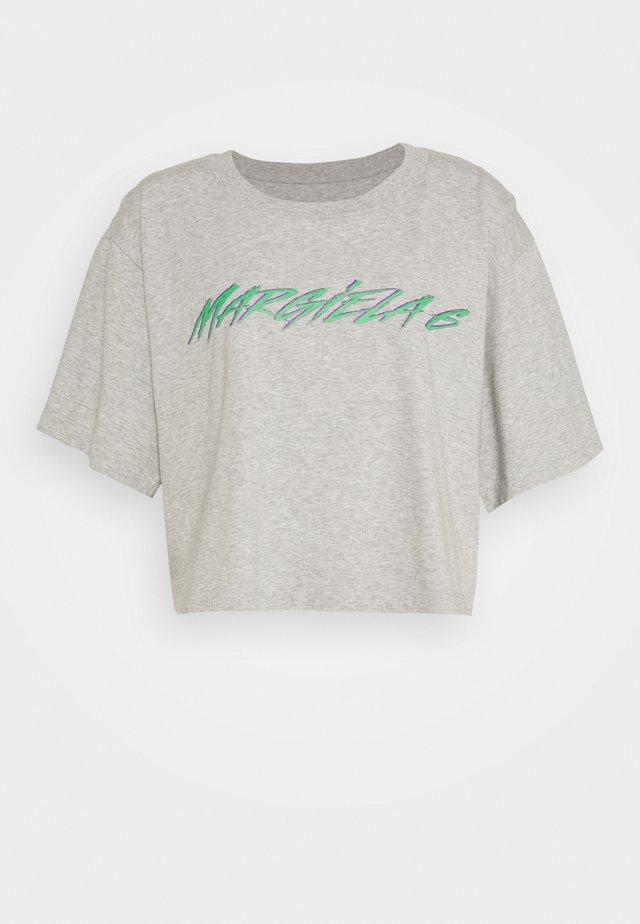 T-shirt med print - melange grey