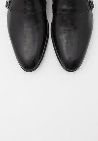 HUGO - APPEAL MONK - Smart slip-ons - black - 5