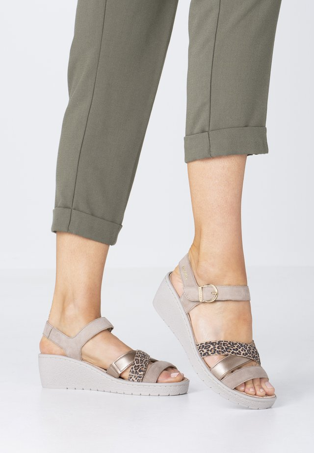 Wedge sandals - light sand