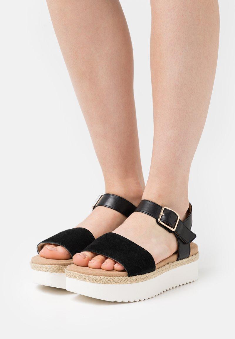 Clarks - LANA SHORE - Platform sandals - black