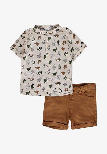 SET - Shorts - ecru