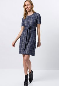 zero - Day dress - velvet blue - 1