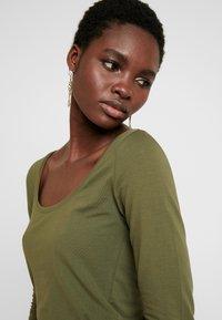 Anna Field - BASIC ROUND NECK LONG SLEEVES - Long sleeved top -  khaki - 4