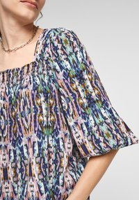 QS by s.Oliver - Blouse - pink aop - 5