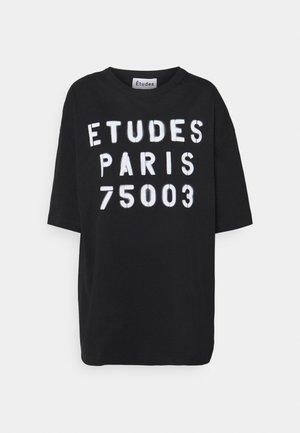 MUSEUM STENCIL UNISEX - Camiseta estampada - black