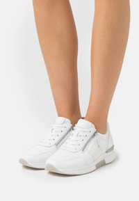 Gabor Comfort - ROLLING SOFT  - Sneakers laag - weiß - 0