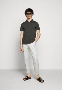 Filippa K - TERRY CROPPED SLACKS - Kalhoty - grey - 1