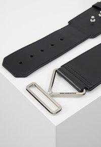 KARL LAGERFELD - KARL TRIANGLE BELT - Waist belt - black - 2