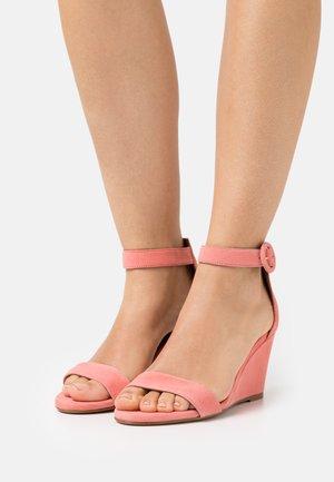 Sandalen met sleehak - mudejar
