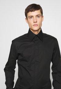KARL LAGERFELD - MODERN FIT - Camicia elegante - black - 5