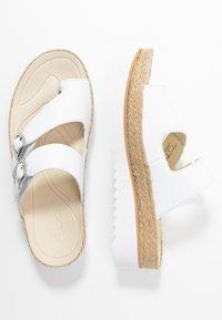 Gabor - Sandály s odděleným palcem - weiß - 3