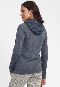 Oxmo - MATILDA - Zip-up hoodie - ins bl mel - 2