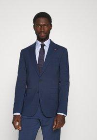 Tommy Hilfiger Tailored - FLEX CHECK SLIM FIT SUIT - Suit - blue - 2