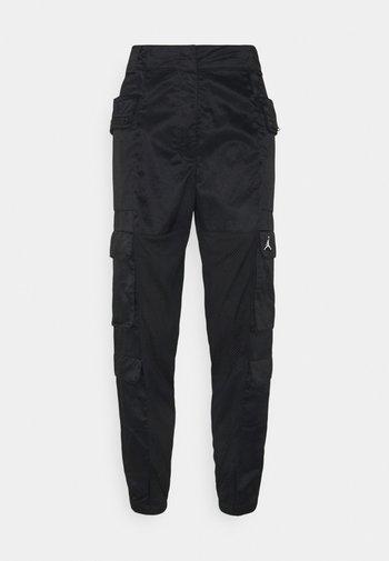 HEATWAVE UTILITY PANT - Cargo trousers - black/white