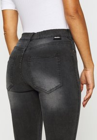 Dr.Denim Petite - PLENTY - Jeans Skinny Fit - iron black - 5