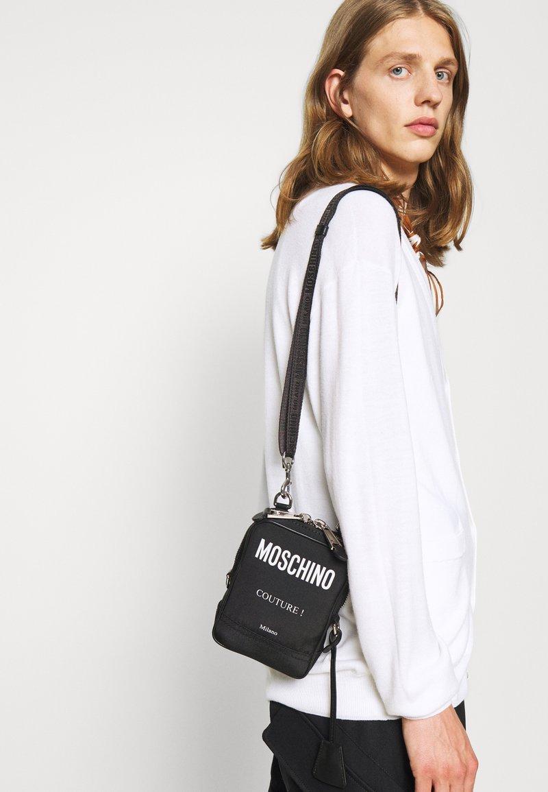 MOSCHINO - SHOULDER BAG UNISEX - Across body bag - black