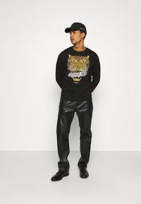 Alessandro Zavetti - SAVAGE TAPE - Sweatshirt - black - 1