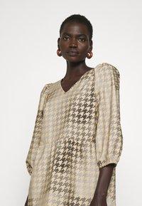 CECILIE copenhagen - RUBY SHORT DRESS - Denní šaty - frost grey - 3