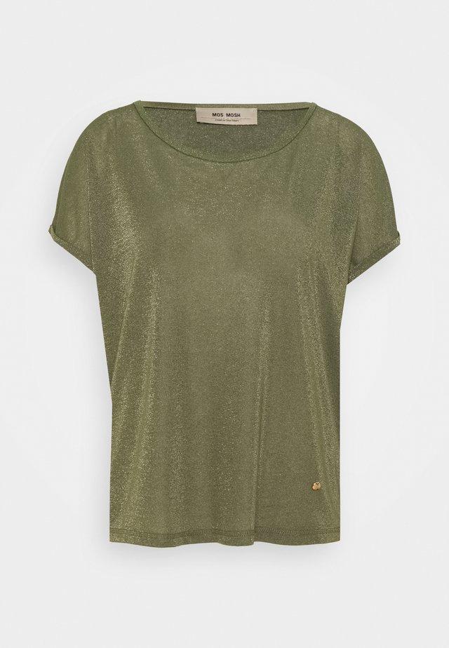 KAY TEE - Print T-shirt - capulet olive