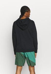 Nike Performance - STANDARD ISSUE - Sweatshirt - black - 2
