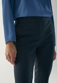 Massimo Dutti - Chino - blue-black denim - 5