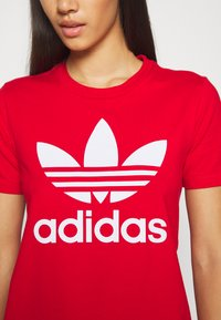 adidas Originals - TREFOIL TEE - Printtipaita - light red - 5