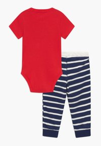 Carter's - MIGHTY - Kalhoty - red/dark blue - 1