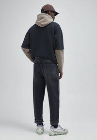 PULL&BEAR - Straight leg -farkut - mottled dark grey - 2