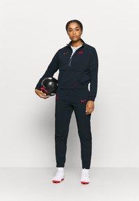Nike Performance - FRANKREICH MIDLAYER - Klubové oblečení - dark obsidian/university red - 1