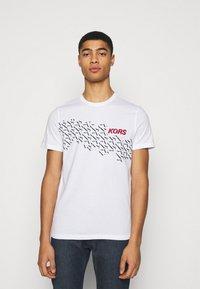 Michael Kors - SHADOW LOGO TEE - Print T-shirt - white - 0