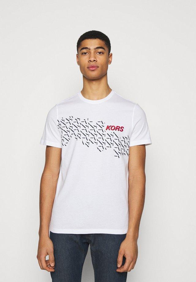 SHADOW LOGO TEE - T-shirt imprimé - white