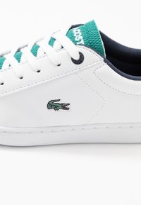 Lacoste - CARNABY EVO 120 - Zapatillas - white/green