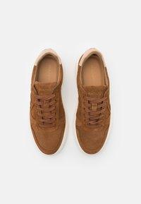 GANT - JOREE  - Sneakers - cognac - 3