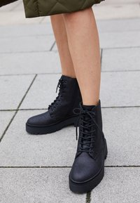 Bullboxer - Lace-up ankle boots - black - 4
