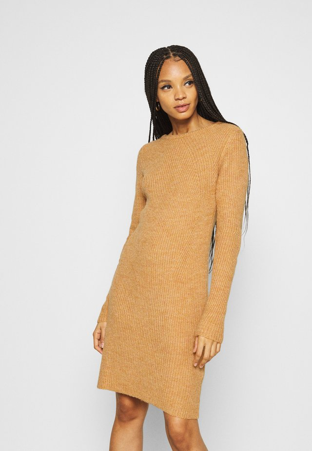 VISURIL O-NECK DRESS - Neulemekko - pumpkin spice melange