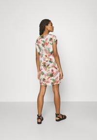 Vero Moda - VMSIMPLY EASY TIE SHORT DRESS - Day dress - birch/selma - 2
