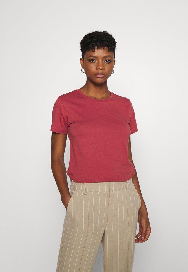ROSA BASIC TEE - Jednoduché triko - marsala