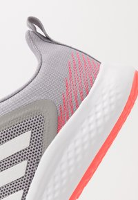adidas Performance - FLUIDSTREET - Trainings-/Fitnessschuh - glow grey/footwear white/grey two - 4