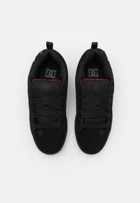 DC Shoes - COURT GRAFFIK - Skate shoes - black/red - 3