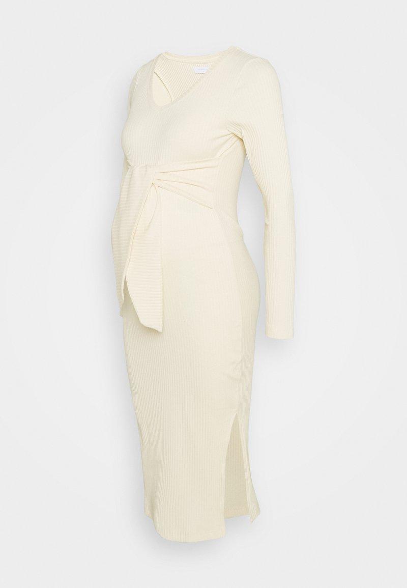 MAMALICIOUS - MLJAINI MIDI DRESS - Pletené šaty - antique white