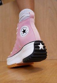 Converse - RUN STAR HIKE - Zapatillas altas - lotus pink/white/black - 2