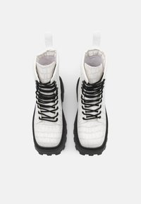 Topshop - BAE SQUARE TOE LACE UP - Lace-up ankle boots - white - 5