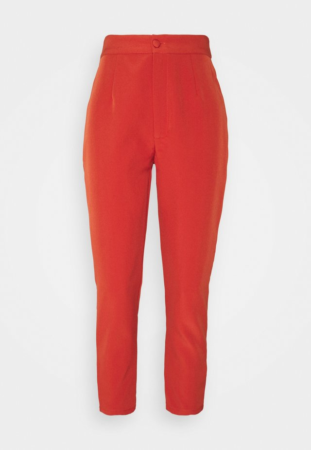 TAILORED CIGARETTE TROUSER - Pantalon classique - orange