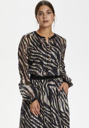 KAVENDA  - Button-down blouse - black zebra print