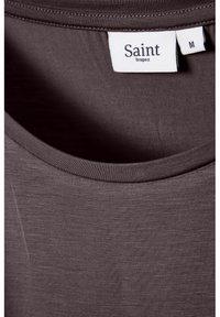 Saint Tropez - ADELIA - Basic T-shirt - huckleberry - 6