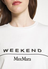WEEKEND MaxMara - NAVETTA - Print T-shirt - white - 4