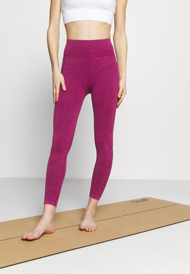 LIFESTYLE SEAMLESS 7/8 YOGA  - Punčochy - boysenberry wash