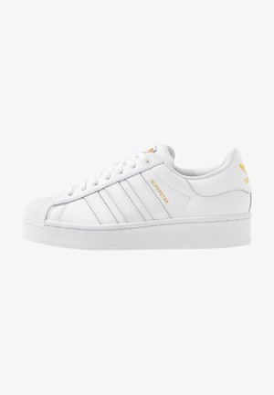 SUPERSTAR BOLD - Sneaker low - footwear white/gold metallic